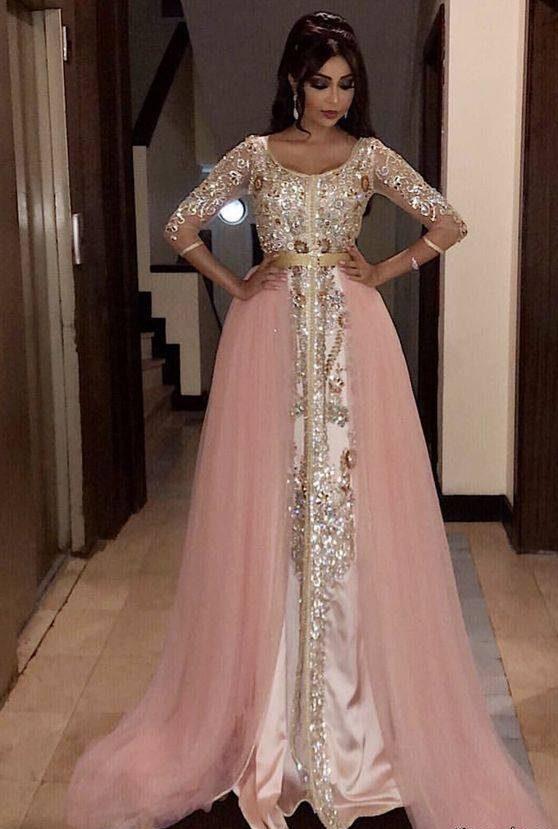 مدل های لباس مجلسی بلند کار شده زنانه با گیپور و پنل
