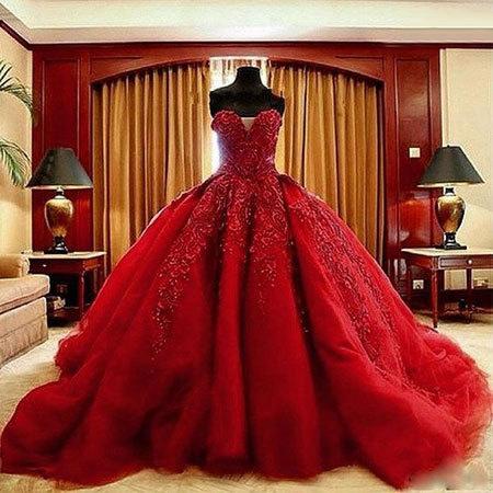 در مراسم عروسی این لباس ها را هرگز نپوشید!