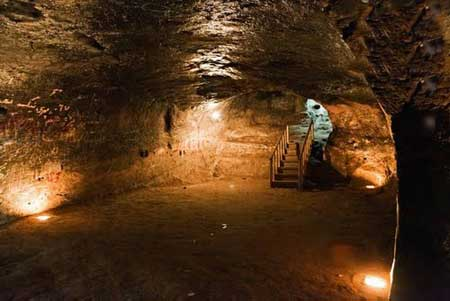 غار دست کند