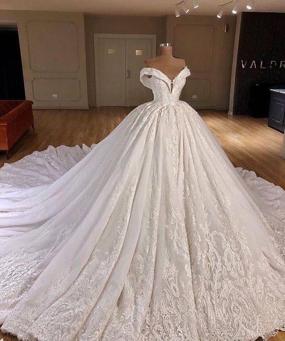 مدل لباس های عروس پفی