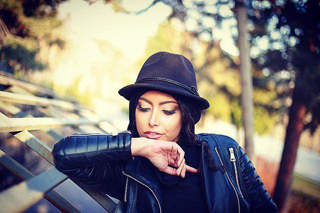 Photo of ساناز طاری؛ بیوگرافی و زندگی شخصی و عکس های ساناز طاری و کشف حجاب
