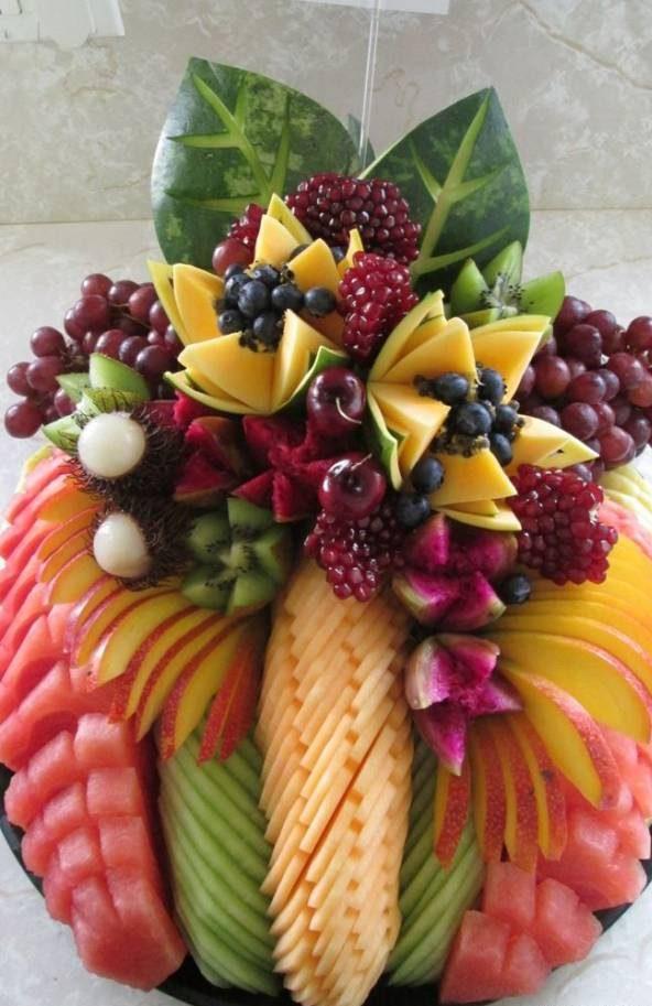تصاویر میوه آرایی و تزیین ظرف میوه برای مهمانی و ایده های چیدن میوه