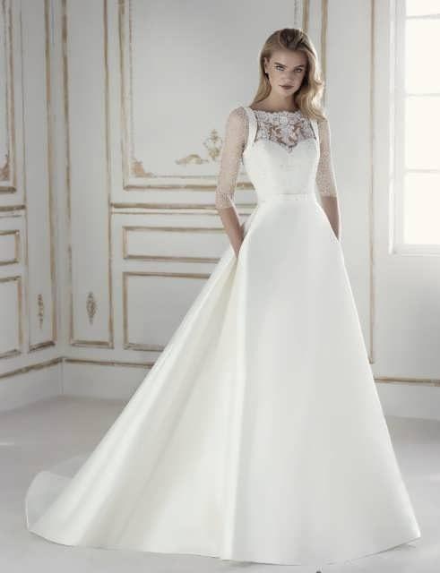 bRIDAL dRESS 11 e1531225166448 مدل لباس عروس ایرانی در انواع طرح های ویژه عروس خانم های زیبای ایرانی مدل لباس