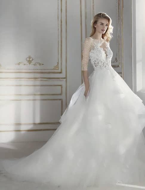 bRIDAL dRESS 13 e1531225223789 مدل لباس عروس ایرانی در انواع طرح های ویژه عروس خانم های زیبای ایرانی مدل لباس
