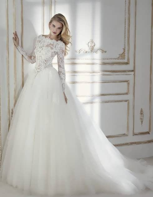 bRIDAL dRESS 21 e1531225396379 مدل لباس عروس ایرانی در انواع طرح های ویژه عروس خانم های زیبای ایرانی مدل لباس