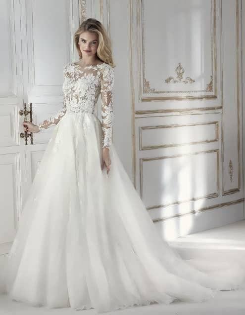 bRIDAL dRESS 22 e1531225428424 مدل لباس عروس ایرانی در انواع طرح های ویژه عروس خانم های زیبای ایرانی مدل لباس