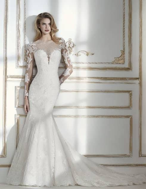 bRIDAL dRESS 24 e1531225471427 مدل لباس عروس ایرانی در انواع طرح های ویژه عروس خانم های زیبای ایرانی مدل لباس