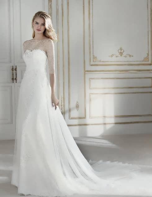 bRIDAL dRESS 25 1 e1531225495520 مدل لباس عروس ایرانی در انواع طرح های ویژه عروس خانم های زیبای ایرانی مدل لباس