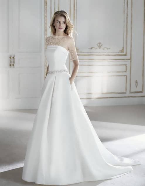 bRIDAL dRESS 27 e1531225755579 مدل لباس عروس ایرانی در انواع طرح های ویژه عروس خانم های زیبای ایرانی مدل لباس