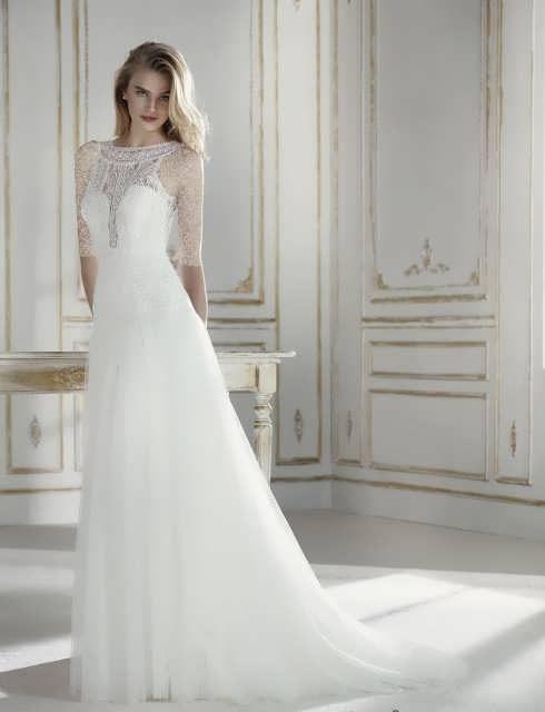 bRIDAL dRESS 28 e1531225772592 مدل لباس عروس ایرانی در انواع طرح های ویژه عروس خانم های زیبای ایرانی مدل لباس