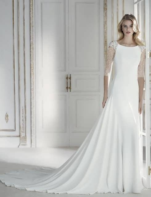 bRIDAL dRESS 34 e1531225884762 مدل لباس عروس ایرانی در انواع طرح های ویژه عروس خانم های زیبای ایرانی مدل لباس