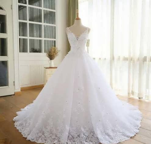 bRIDAL dRESS 7 e1531224999970 مدل لباس عروس ایرانی در انواع طرح های ویژه عروس خانم های زیبای ایرانی مدل لباس