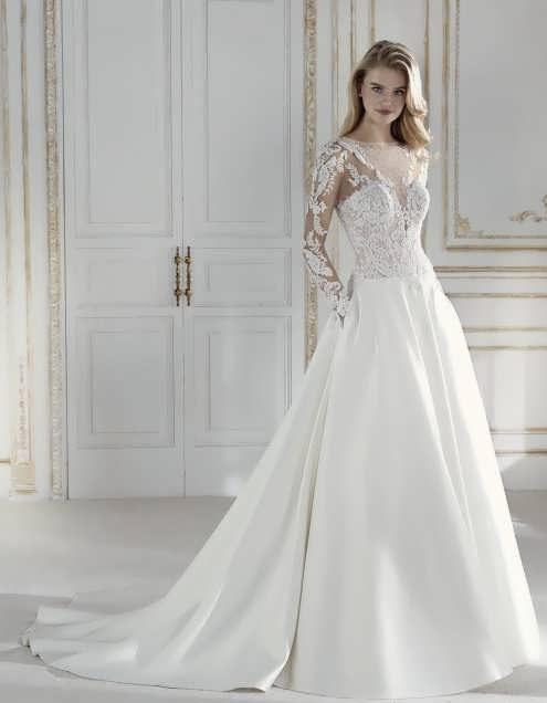 bRIDAL dRESS 9 e1531225117831 مدل لباس عروس ایرانی در انواع طرح های ویژه عروس خانم های زیبای ایرانی مدل لباس