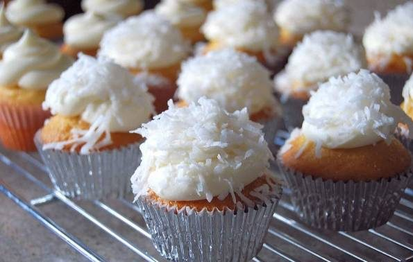 کاپ کیک نارگیلی