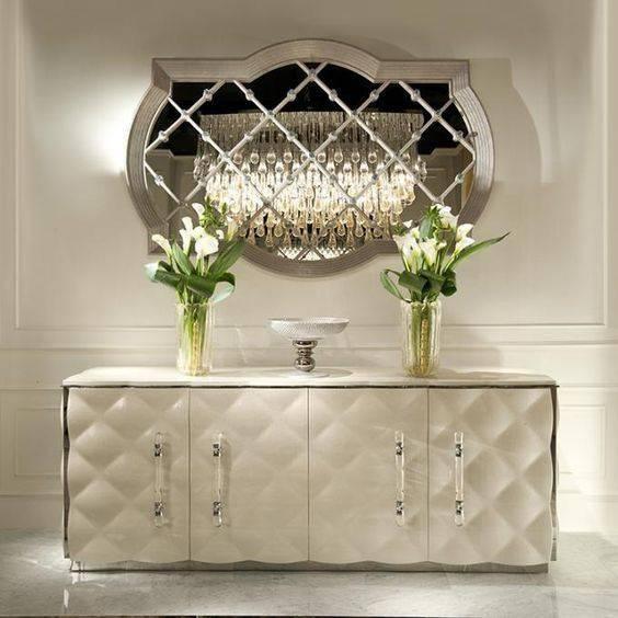 آینه و کنسول سفید