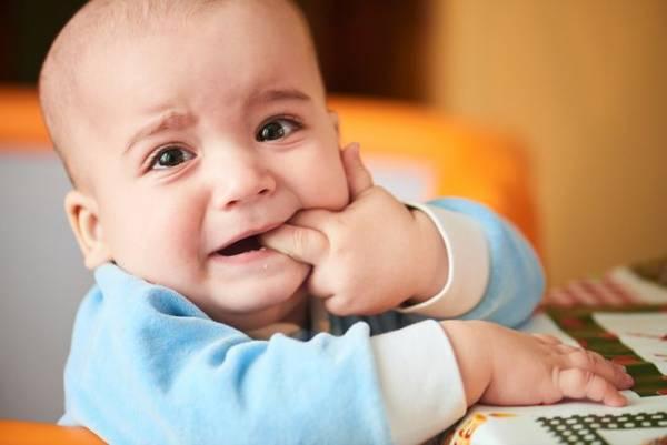 """دندان درآوردن کودک {hendevaneh.com}{سایتهندوانه} - thith 4 - تسکین درد """"دندان درآوردن کودک"""" و تغذیه مخصوص دندان"""