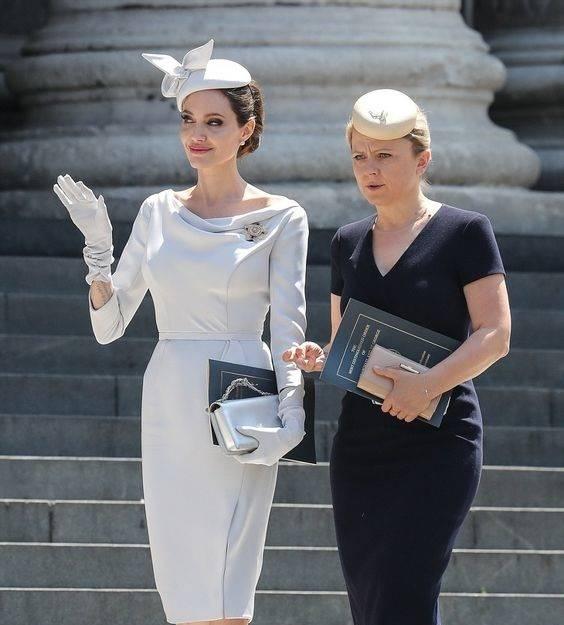Photo of تیپ های آنجلینا جولی و مدل لباس های مجلسی آنجلینا جولی