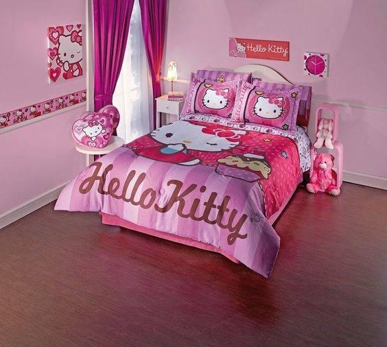 مدل دکوراسیون اتاق خواب کودک با تم کیتی و صورتی رنگ زیبا