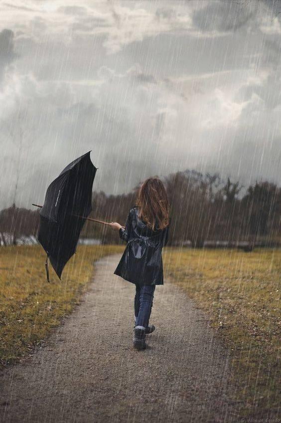 ژست عکاسی زیر باران با چتر و یا بدون چتر عکس های هنری زیبای بارانی