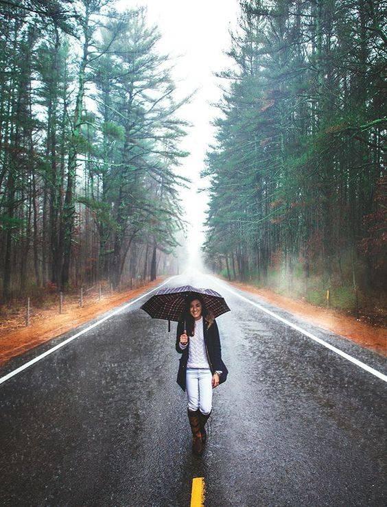 ژست عکاسی زیر باران {hendevaneh.com}{سایتهندوانه} - Zhest Akasi 2 - ژست عکاسی زیر باران با چتر و یا بدون چتر عکس های هنری زیبای بارانی