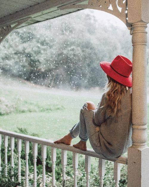 ژست عکاسی زیر باران {hendevaneh.com}{سایتهندوانه} - Zhest Akasi 6 - ژست عکاسی زیر باران با چتر و یا بدون چتر عکس های هنری زیبای بارانی