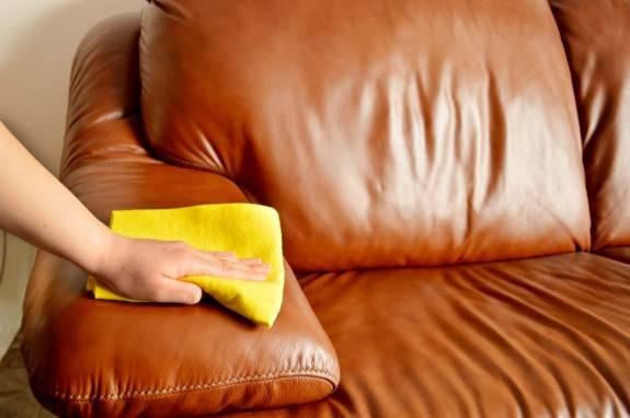 Photo of روش تمیز کردن و پاک کردن انواع لکه ها از روی مبل چرم