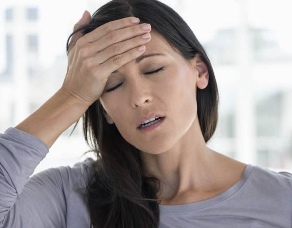 پرولاکتینوما در زنان و مردان چه علائمی دارد و چگونه درمان می شود؟