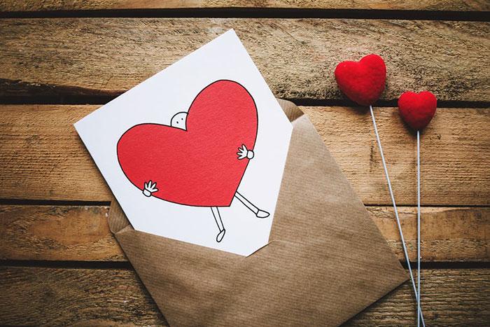 15 ایده برای سوپرایز کردن و تبریک تولد از راه دور برای عشق، همسر، دوست و مادر