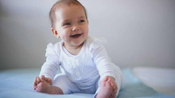 نحوه درمان یبوست نوزاد شیرخوار با این روش های خانگی