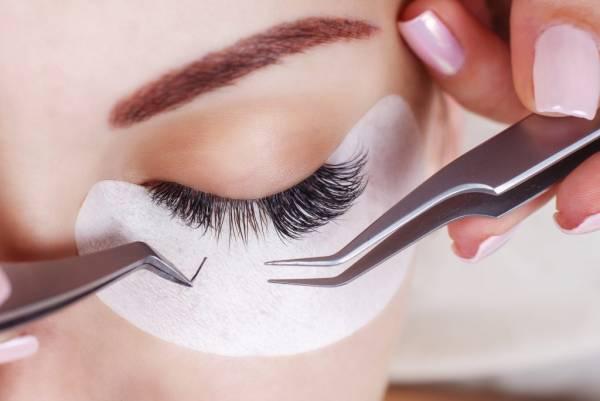 رازهای آرایشی برای خانم های سن بالا برای پنهان کردن سن و سال و پیری