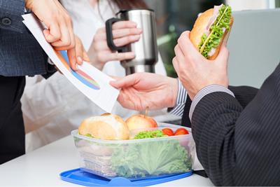 رژیم غذایی کامندی, برنامه غذایی کارمندان