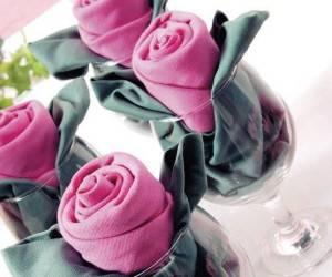 تزیین دستمال سفره مرحله مرحله به شکل گل رز