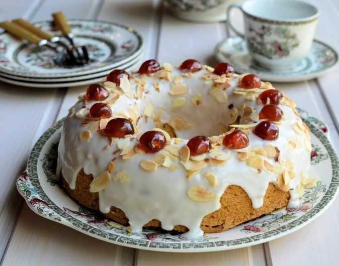 کیک تر آلبالو
