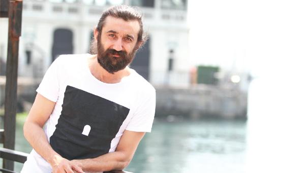 بیوگرافی نسیپ مملی (Necip Memili) و عکس های همسرش