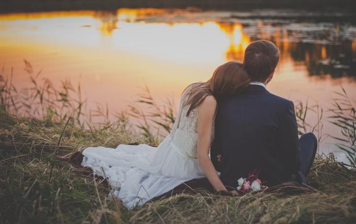 چه کنم همسرم عاشقم بشه و همیشه عاشق من بمونه؟
