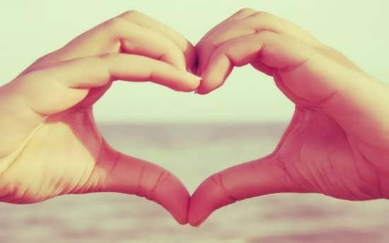 عکس قلب با دست دختر و پسر برای پروفایل