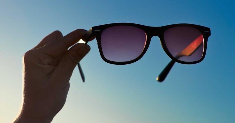 از بین بردن خط و خش شیشه عینک آفتابی و روش تمیز کردن عینک افتابی