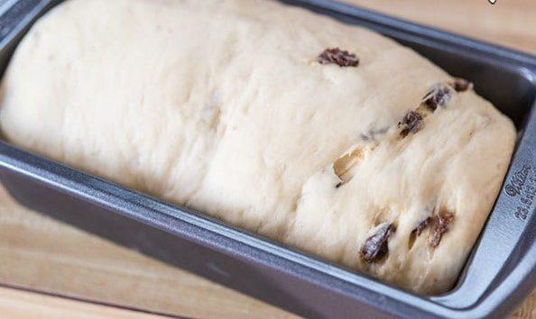 نان کشمش و دارچین