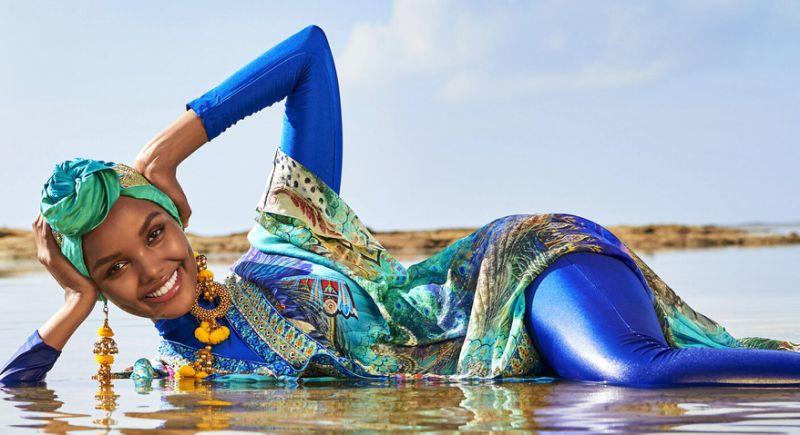 عکس شناگر زن با حجاب