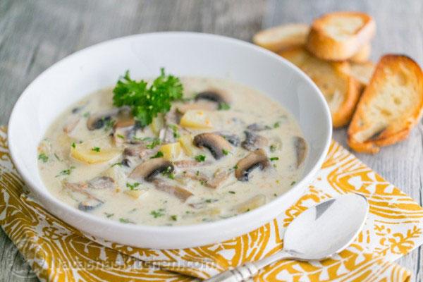 سوپ قارچ سفید ؛ آموزش طرز تهیه سوپ قارچ سفید خوشمزه و ساده