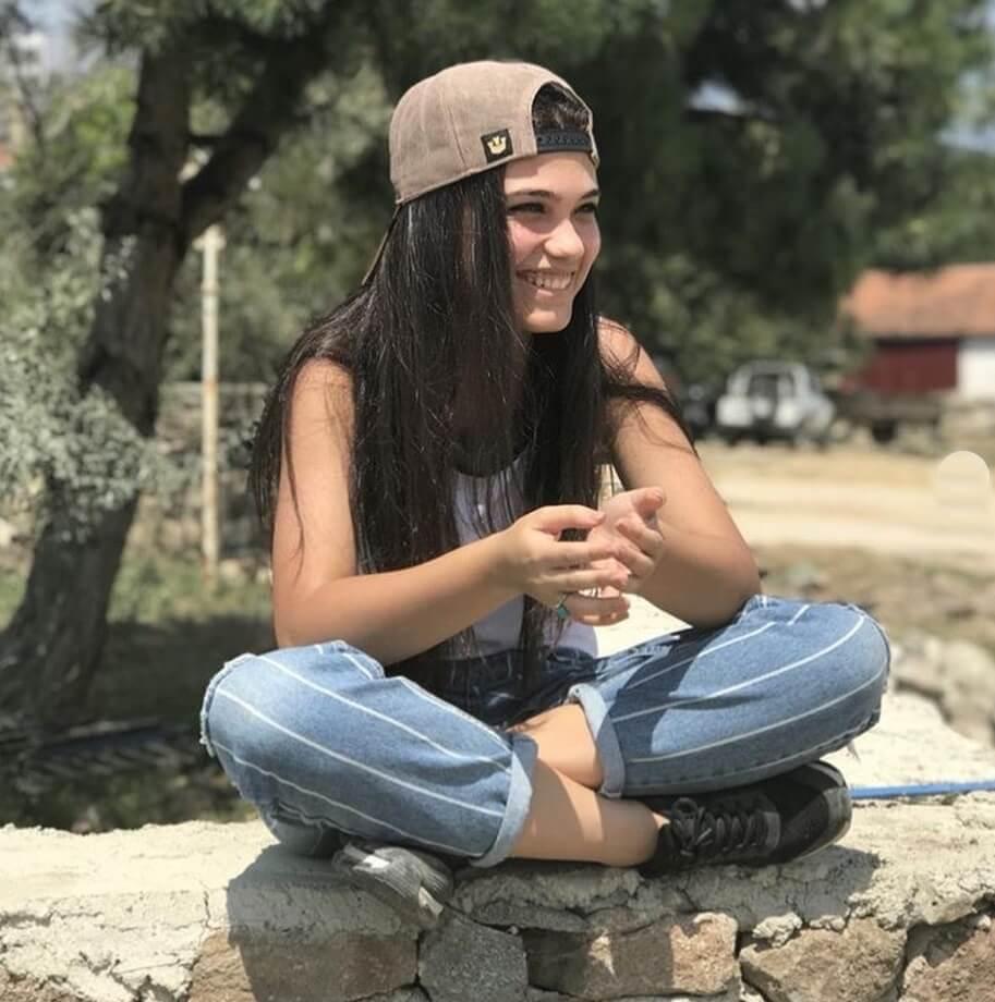 آلینا اوزگچن بازیگر سریال گلپری