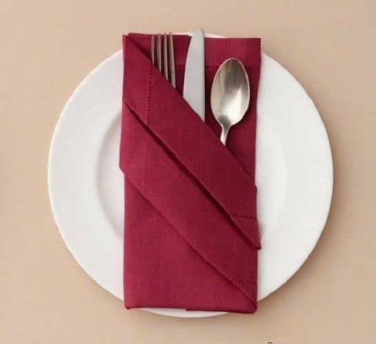 تزیین دستمال سفره