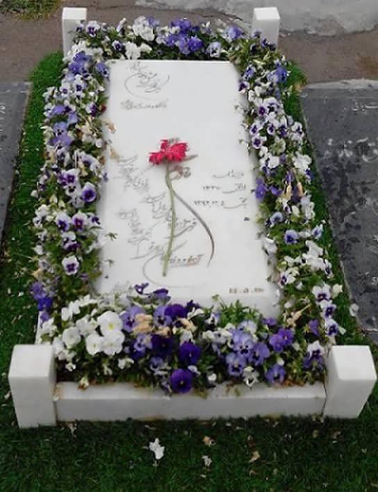 مدل گل آرایی سنگ قبر