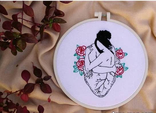 گلدوزی رمانتیک