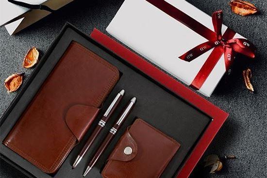 چه هدایایی برای مدیران مناسب است