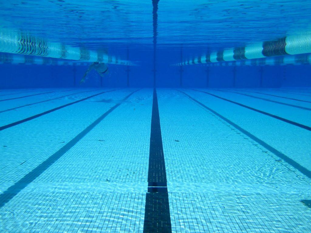 ورزش شنا برای رسیدن به تناسب اندام