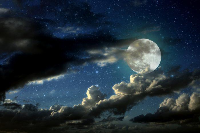 Photo of عکس ماه و منظره شب + تصاویر با کیفیت از قرص ماه و شعر با مضمون ماه