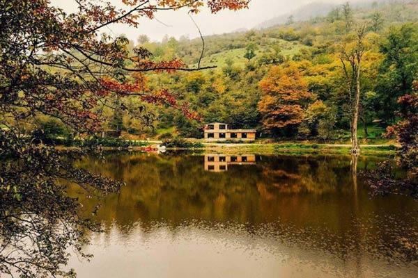 مسافرت پاییزی