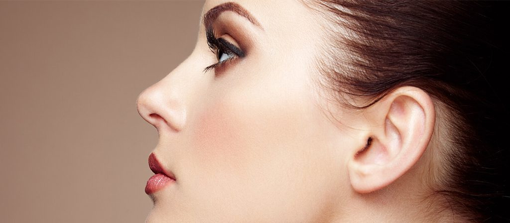 روش های از بین بردن موهای زائد روی بینی در منزل