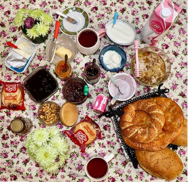 مدل تزیین میز صبحانه عروس + ۲۰ ایده شیک برای انجام تزیینات و چیدمان